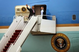 Barrack Getting On Air Force 1